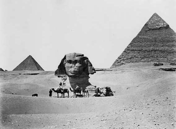 Omari, Dr. Paine, Nellie and Grace in front of The Sphinx in 1938.